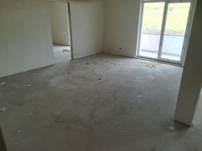Apartament 2 camere,  zona Regal
